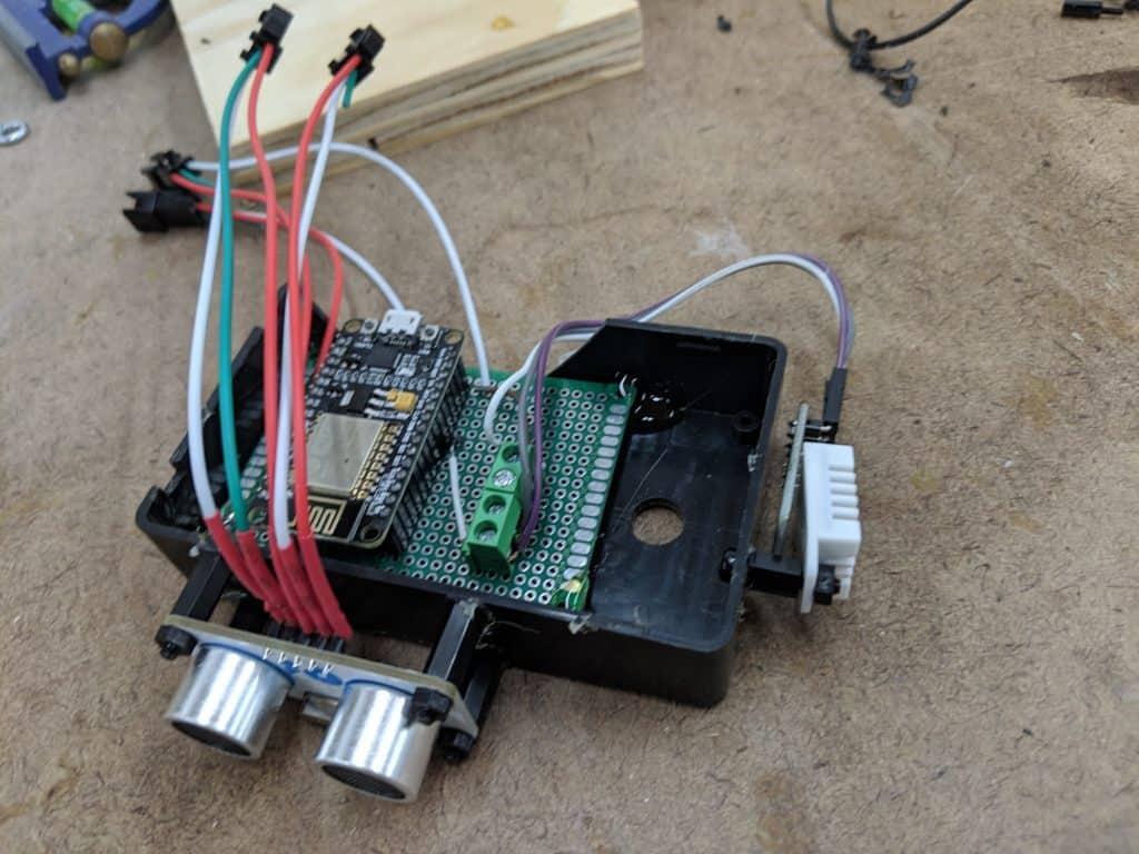 Chair Presence Detection using Ultrasonic Distance Sensor - Self